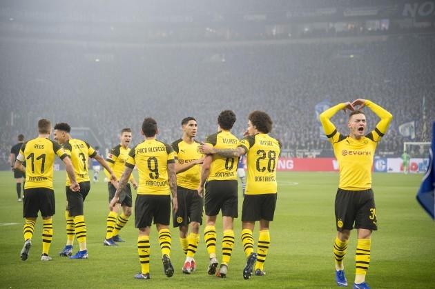 Soccer 1.Bundesliga / FC Schalke 04 - Borussia Dortmund 1: 2.