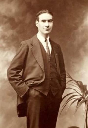 Portrait_of_Piaras_Béaslaí_1919