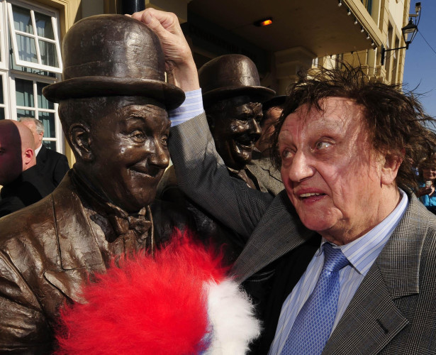 Laurel and Hardy statue unveiled