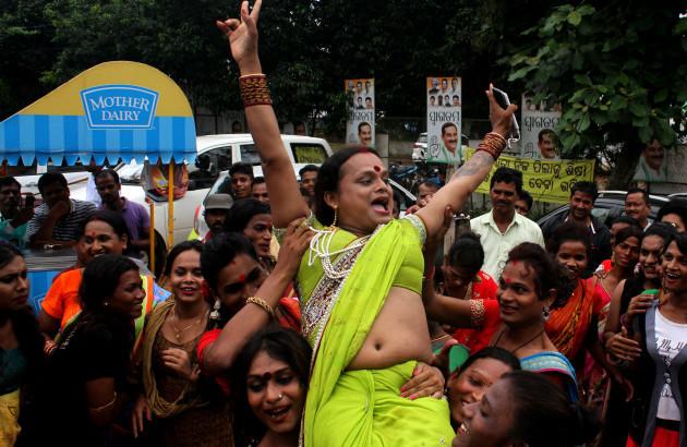 India: LGBT Community Celebrate After SC Verdict on Section 377 Decriminalizes Gay Sex