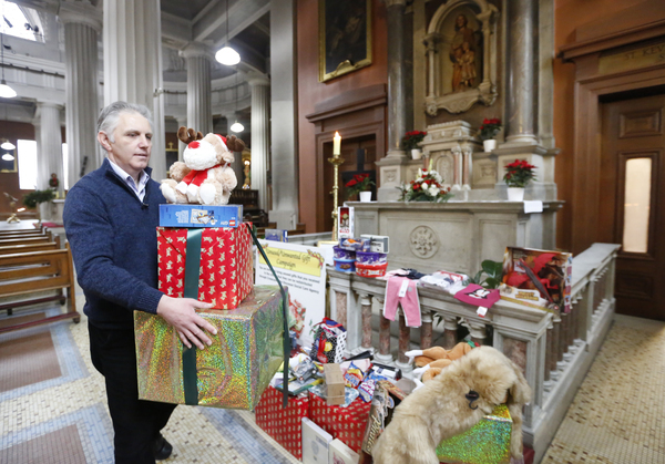 071 Pro Cathedral Unwanted gifts_90561399