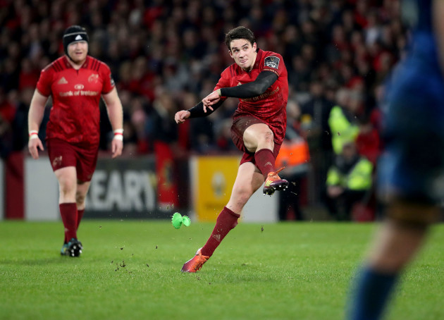 Joey Carbery kicks at goal