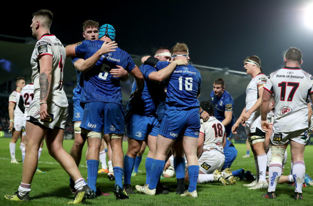 Leinster celebrate a penalty try