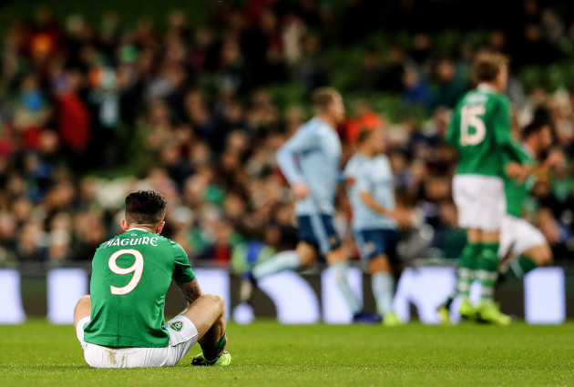 Sean Maguire suffers an injury
