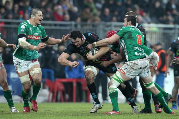 David Sisi tackled by Sebastian Negri