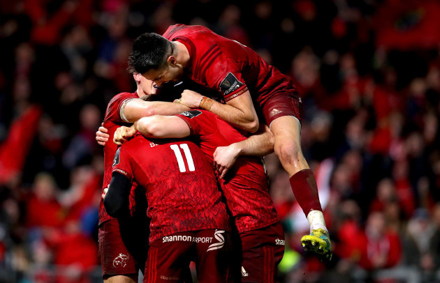 Keith Earls celebrates scoring with Mike Haley, Andrew Conway, Tyler Bleyendaal and Conor Murray