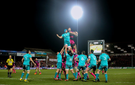 Ed Slater competes for a line out with Tadhg Beirne