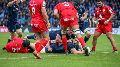Jack Conan scores his sides first try