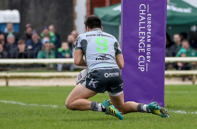 James Mitchell scores a try