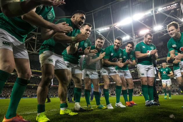 Bundee Aki, Cian Healy, Luke McGrath, Rob Kearney, Joey Carbery, Jack McGrath and Kieran Marmion celebrate after the game