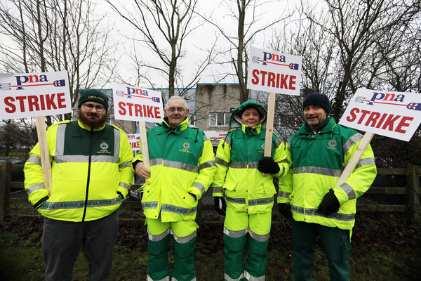 8584 Ambulances strike_90562744
