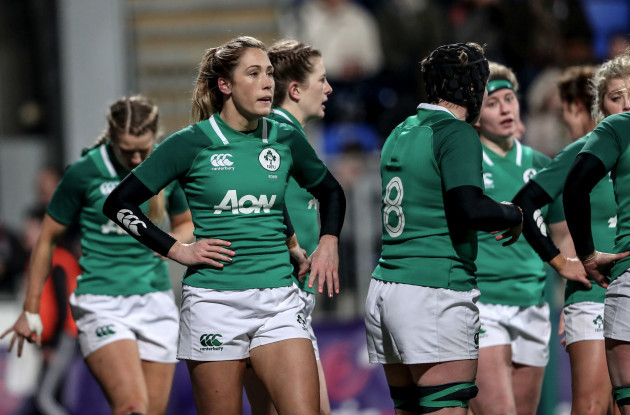 Eimear Considine dejected after Katy Daley-Mclean scores a try
