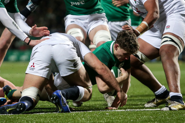 Cormac Foley scores a try