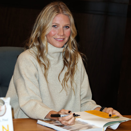 Gwyneth Paltrow Book Signing For 'The Clean Plate: Eat, Reset, Heal' - Los Angeles