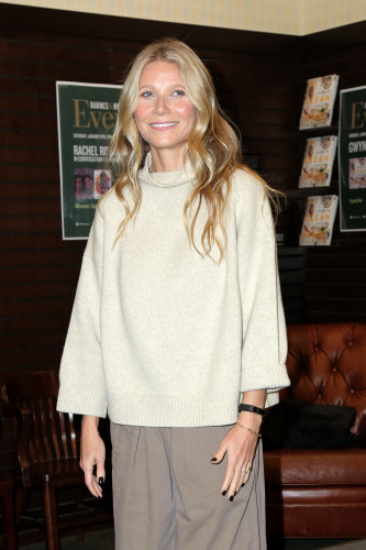 Gwyneth Paltrow Book Signing - Los Angeles