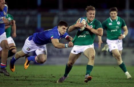 Liam Turner tackled by Edoardo Mastandrea
