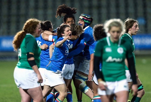 Italy players celebrate at the full-time whistle
