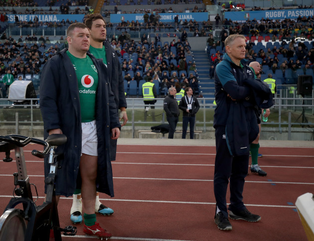 Dave Kilcoyne, Quinn Roux and Joe Schmidt during the final moments of the game