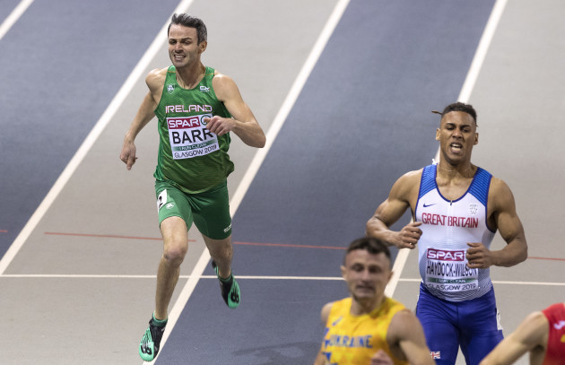 Thomas Barr finishes