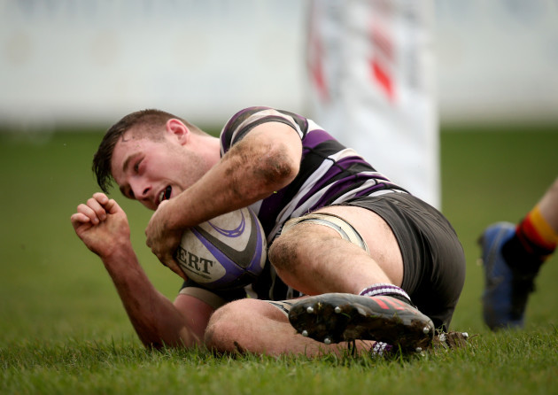 Stephen Caffrey scores a try