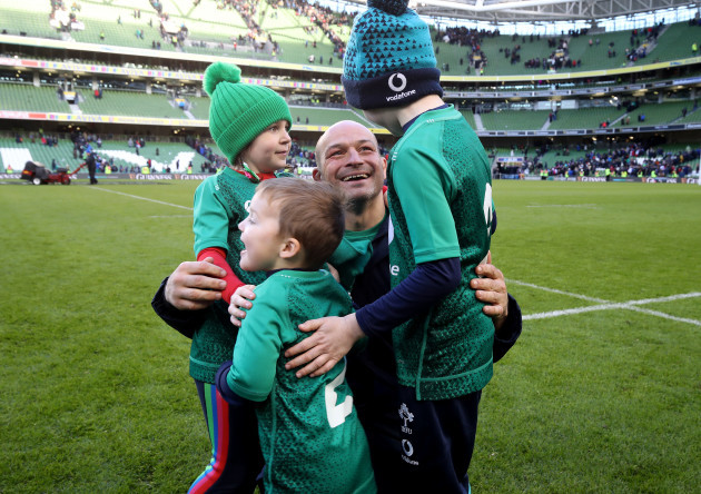 Rory Best celebrates winning with his children Ben, Richie and Penny