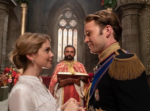 rs_1024x759-181130184240-1024x759.christmas-prince-royal-wedding-lp.113018