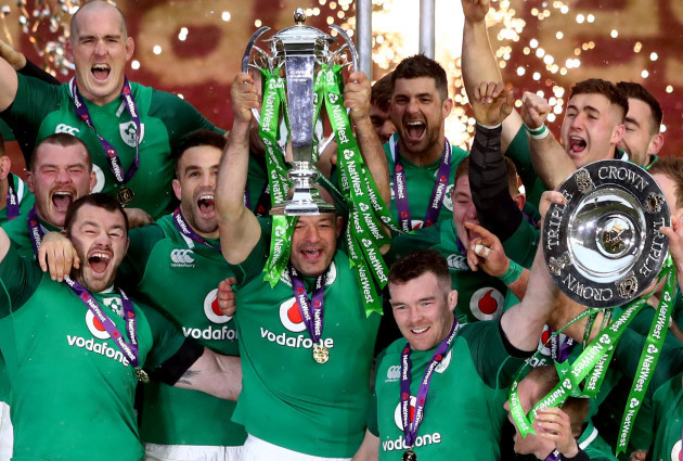 Rory Best lifts the Trophy