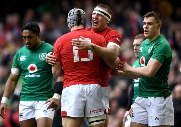 Hadleigh Parkes celebrates scoring a try with Jonathan Davies