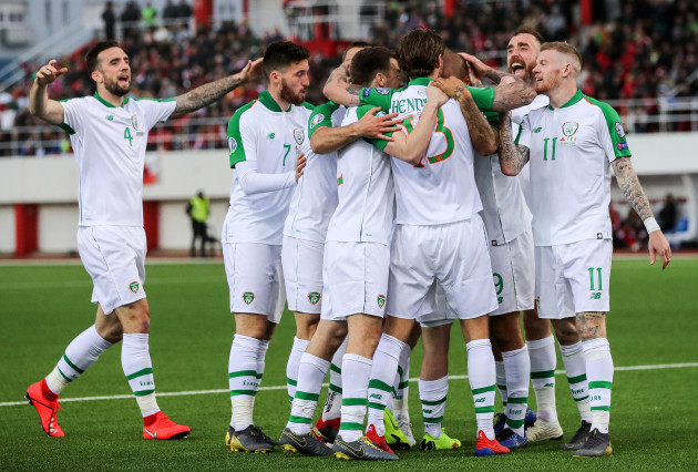 Ireland players celebrate with goalscorer Jeff Hendrick