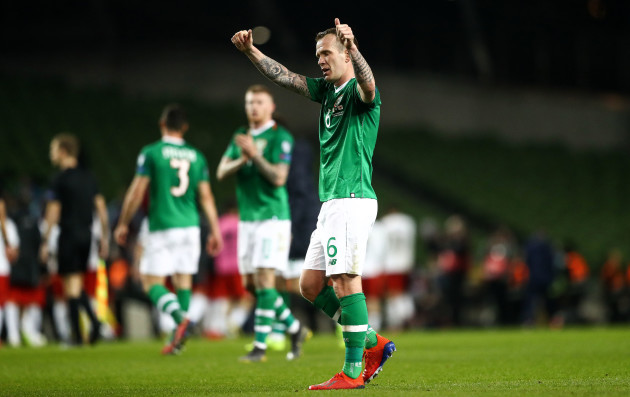 Glenn Whelan acknowledges the fans after the game