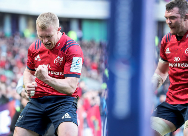 Keith Earls celebrates his second try