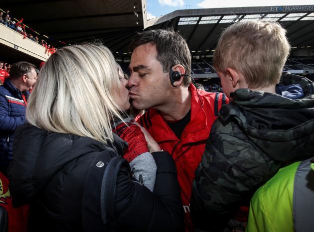 Johann van Graan celebrates winning with his wife Melissa and son Wyatt