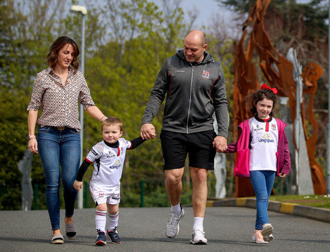 Rory Best with his wife Jodie, daughter Penny and son Richie