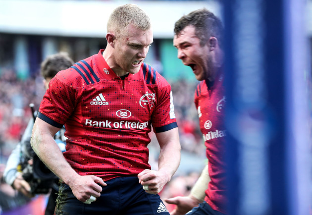 Keith Earls celebrates scoring their second try with Peter O'Mahony