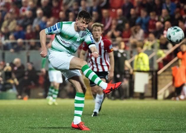 Ronan Finn shoots on goal