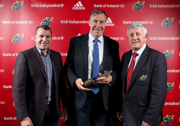Donal Lenihan is presented with the Hall of Fame of the Year award by Gerry O'Shea and Pat Keane