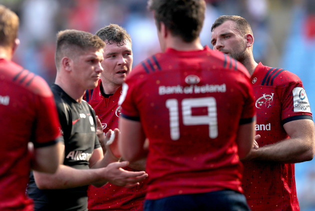 Peter O'Mahony and Tadhg Beirne dejected
