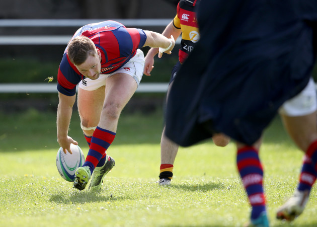 Sean O'Brien scores a try