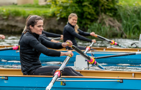 Anne Dalton racing Sarah Rowe