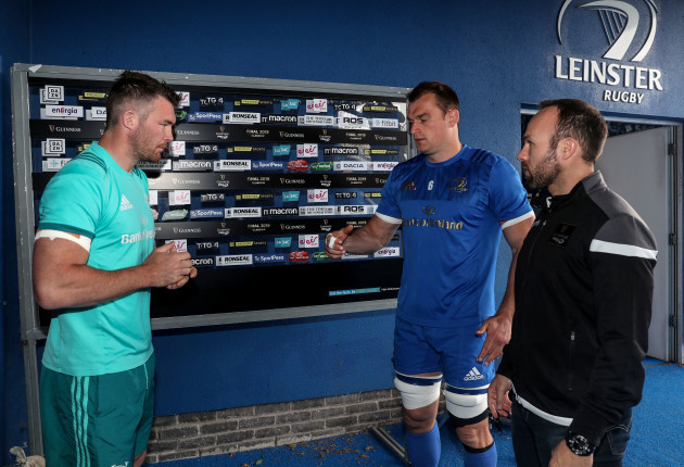 Peter O'Mahony and Rhys Ruddock with Mike Adamson at the coin toss