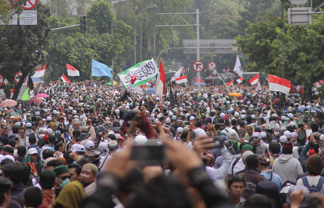 Indonesia: Post-election protests in Jakarta Six people have been killed and 200 others injured