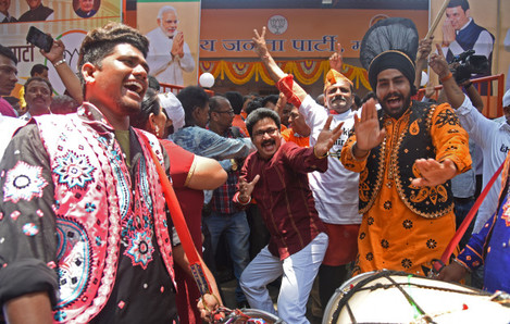 INDIA-MUMBAI-ELECTION-BJP-CELEBRATION