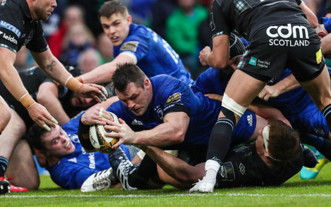 Cian Healy scores a try