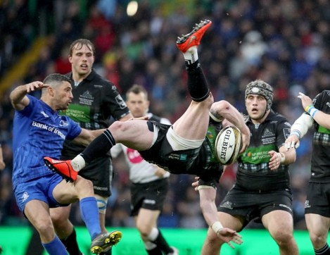 Rob Kearney tackles Stuart Hogg resulting in a yellow card