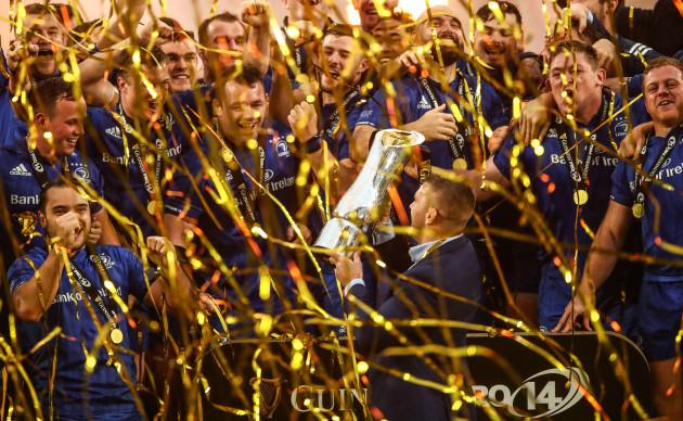 Sean O'Brien lifts the trophy
