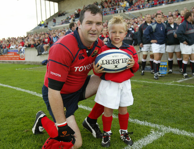 Anthony Foley with mascot Craig Casey