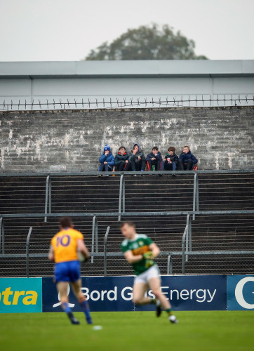 Young fans watch from the terrace 1/6/2019