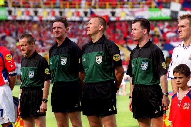 Soccer - Euro 2000 - Group D - Czech Republic v France