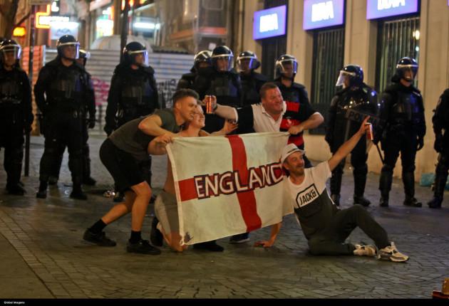 British fans cause contempt at Avenida dos Aliados in Porto