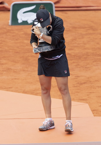 Ashleigh Barty wins French Tennis Open in Roland Garros